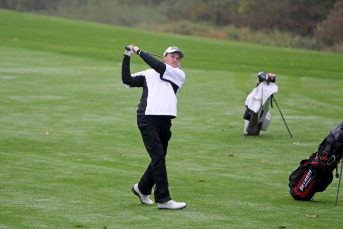 Men's golf: Northwestern jumps into lead behind Mahowald's big day