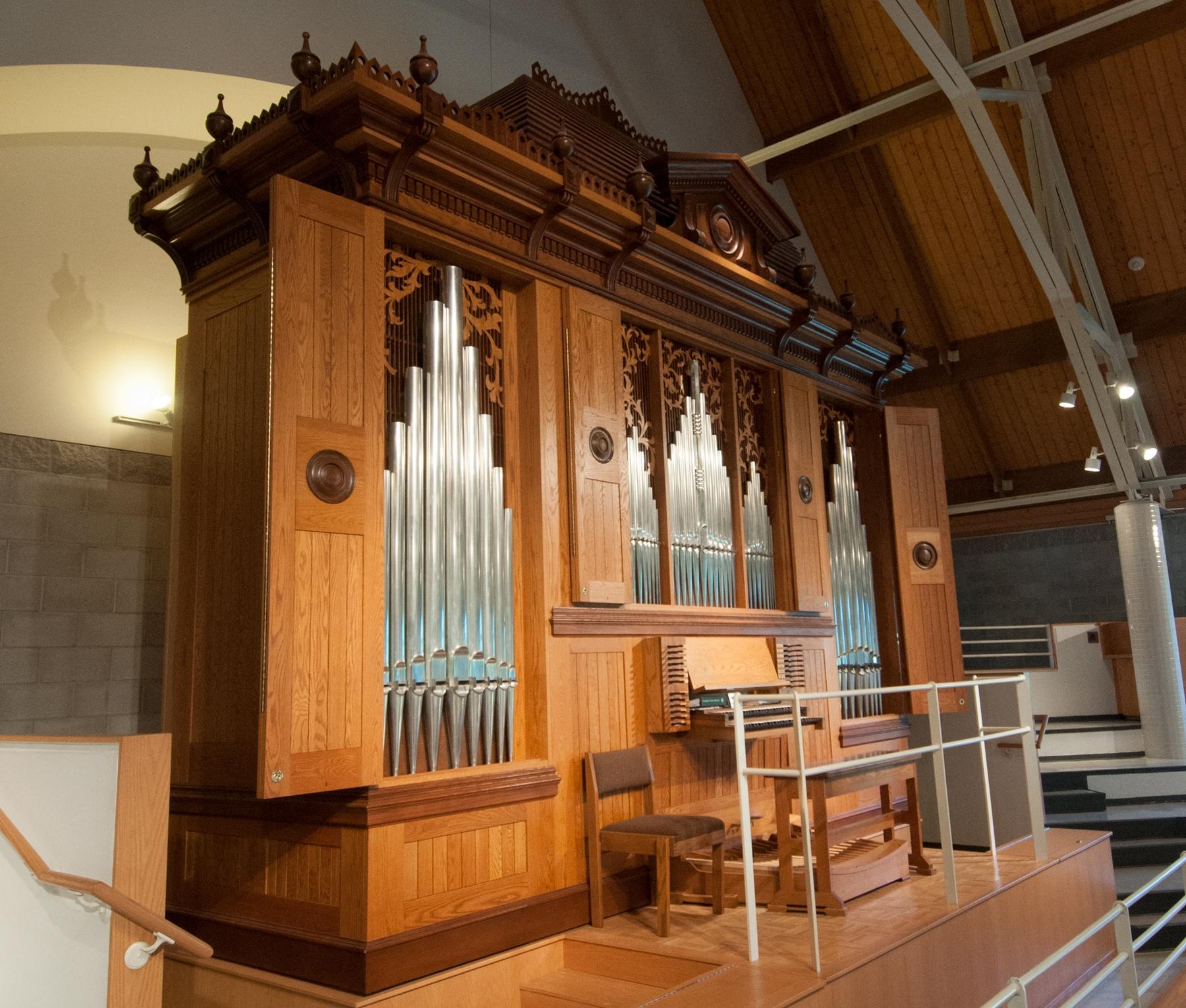 Dobson organ Trinity Chapel